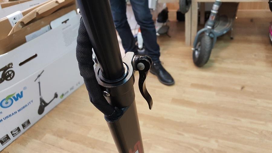 speedtrott st12 test trottinette électrique design et ergonomie système pliage