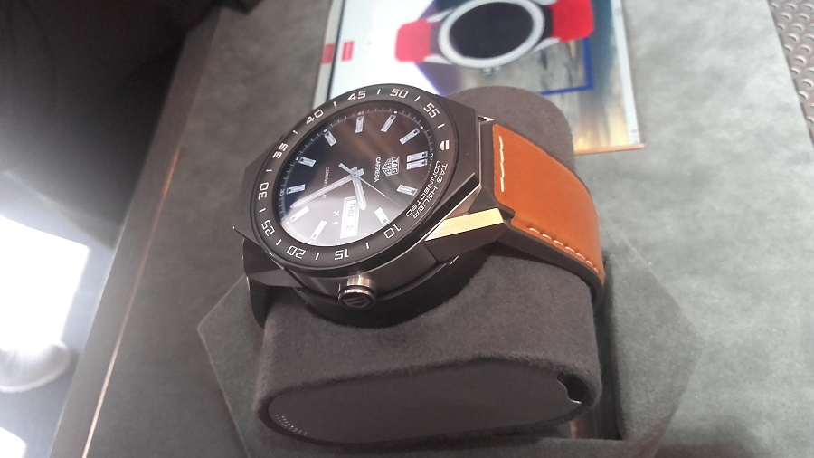 Tag Heuer Connected Modular 45 intel android 2.0 montre connectée