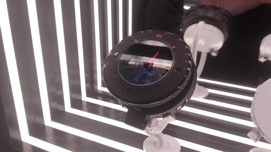 baselworld samsung gear s3 concept montre gousset