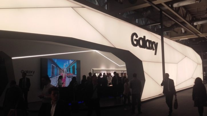 baselworld samsung gear s3 stand booth