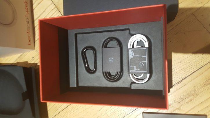 Casque Beats Solo 3 Wireless Unboxing fond de la boîte