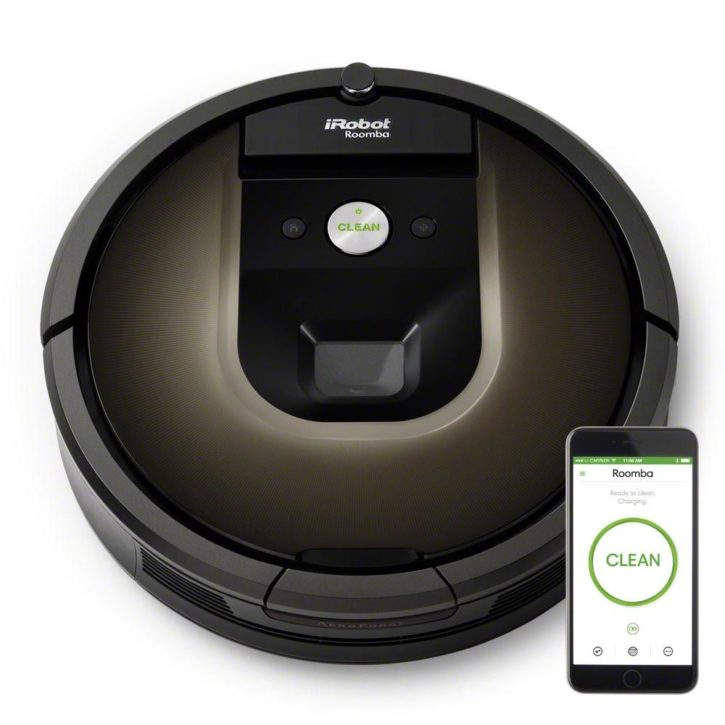IRobot Roomba image de la marque avec smartphone