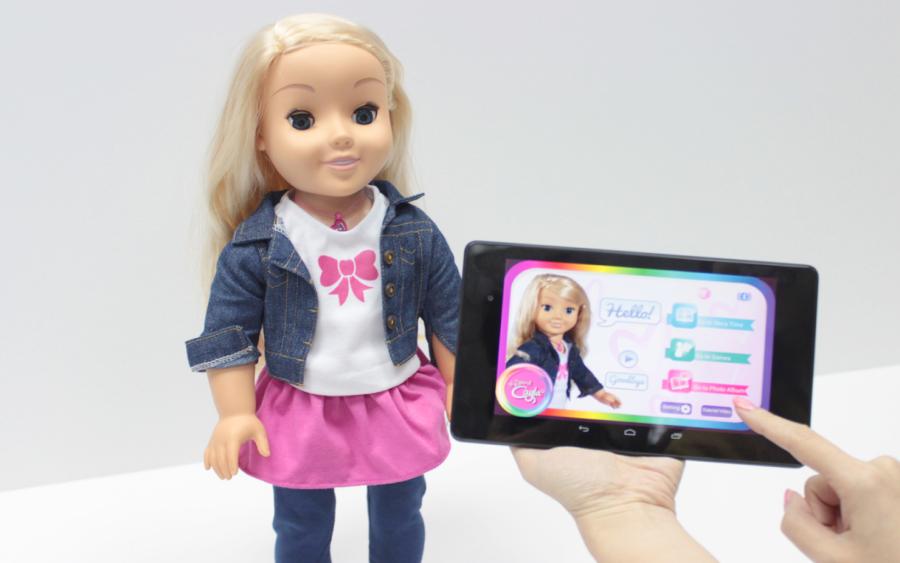 poupée jouet connecté