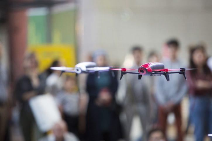 Drôle de drone cité des sciences à Paris