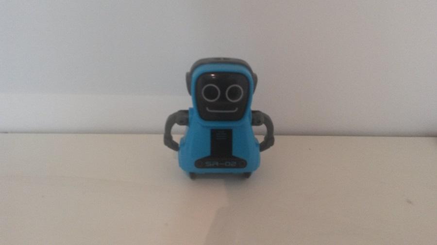 Test Maze Breaker & Pokibot Design et Ergonomie Robot bleu