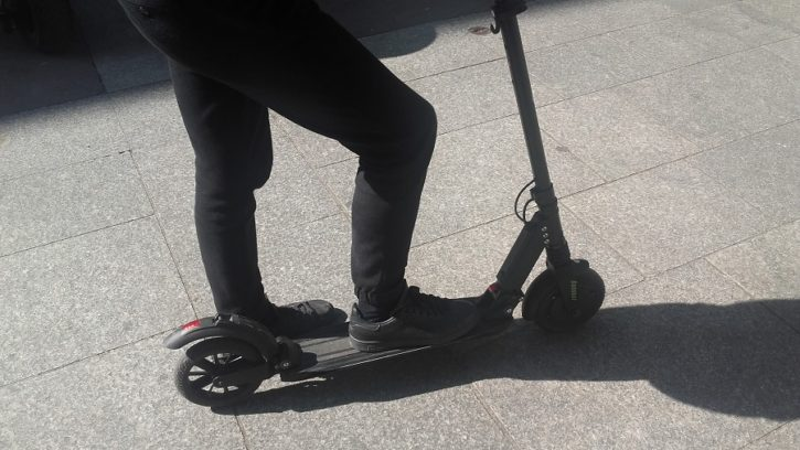 test e-twow booster trottinette connectee pied a terre