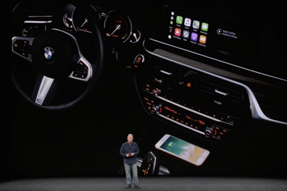 Voiture recharge sans fil iPhone