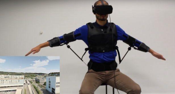 FlyJacket : contrôlez un drone avec votre corps grâce à cet exosquelette