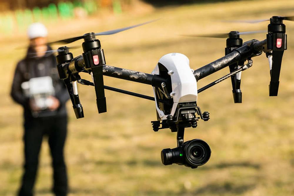 2 nouveaux décrets pilotage drones en France