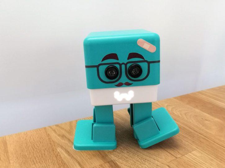 Robot jouet Zowi customisé
