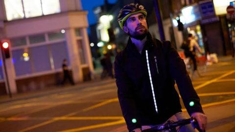 Veste connectée Ford pour les cyclistes