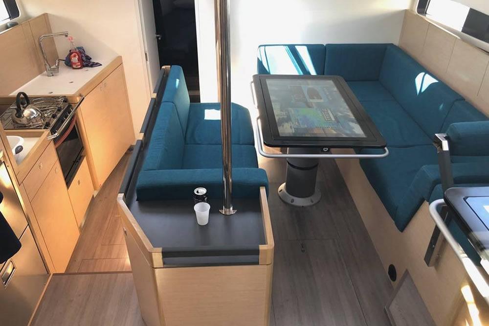 E.V.A² bateau autonome voilier connecté