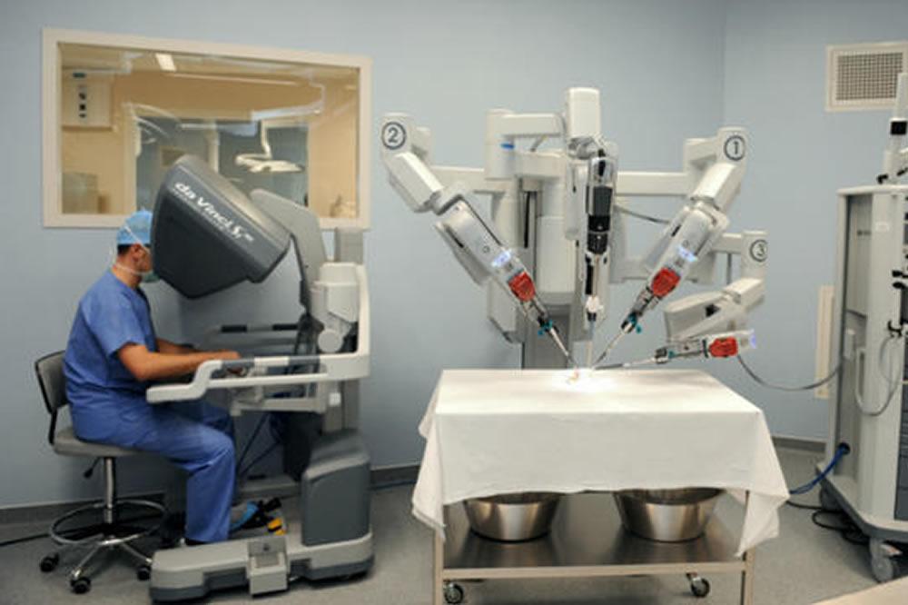 Robots chirurgiens