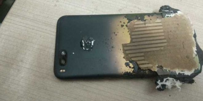 Xiaomi smartphone explose vue de dessus
