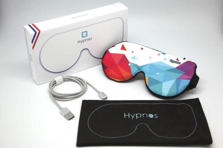 masque hypnos connecté avec son câble et sa housse de voyage