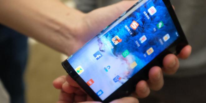FlexPai Royole premier smartphone à écran pliable