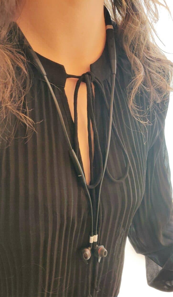 jabra Evolve 75e porté en collier
