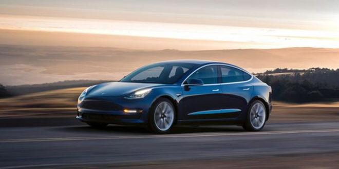 Autopilot Tesla ivre dort volant police