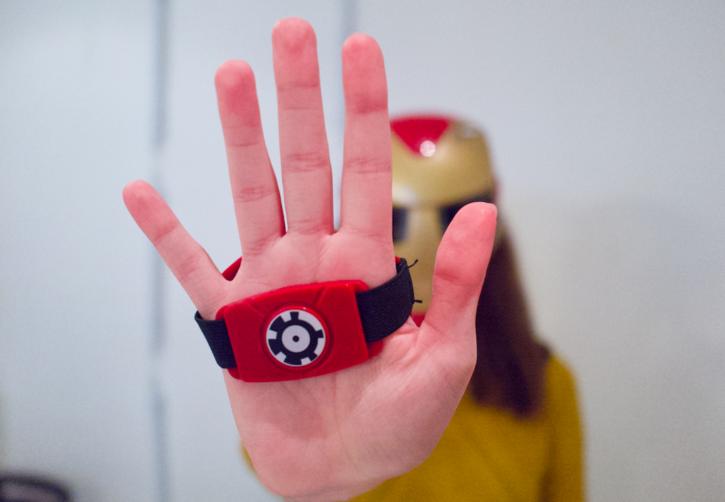 pour jouer i Hero Vision Iron Man il suffit de viser avec son gant les ennemi