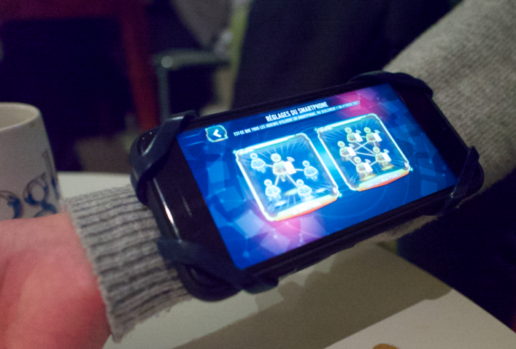 on vous conseille de mettre votre smartphone du côté interne de votre avant bras