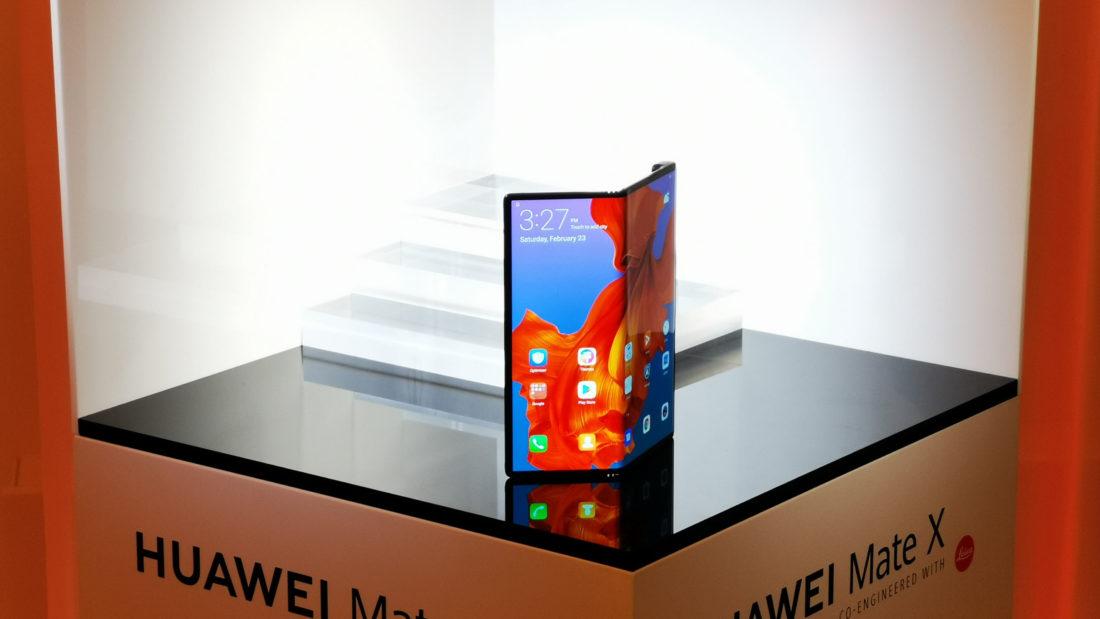Smartphones à écran pliable comparatif Huawei Mate X Samsung Galaxy Fold