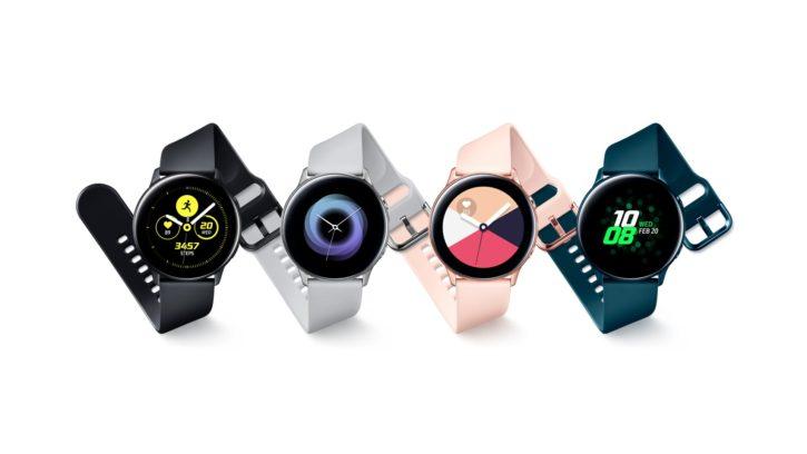 Différents modèles de la montre connectée Galaxy Watch Active de Samsung.