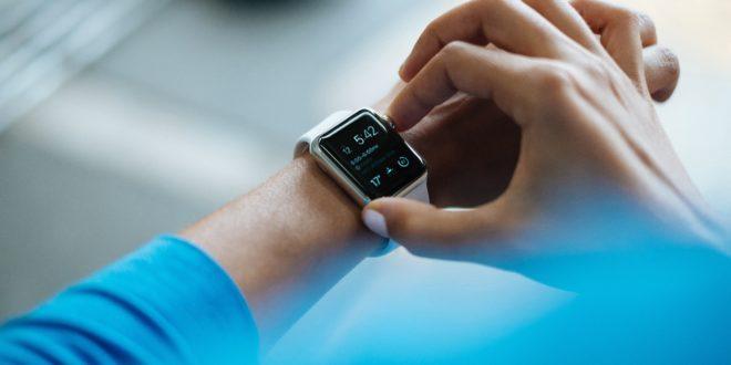 Une montre connectée Apple Watch