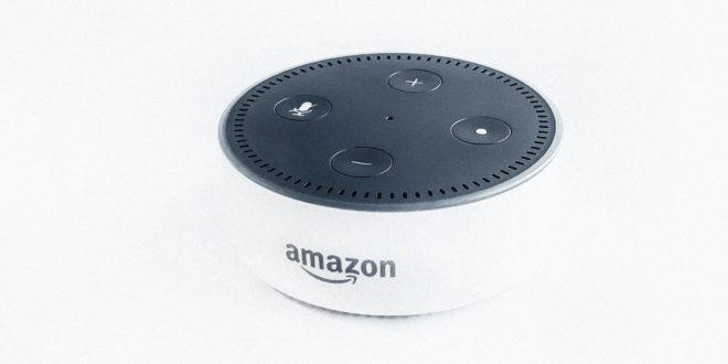 Enceinte Amazon Echo dotée de l'assistant vocal Alexa