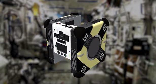 Un des robots Astrobees de la Nasa dans l'espace (visuel)