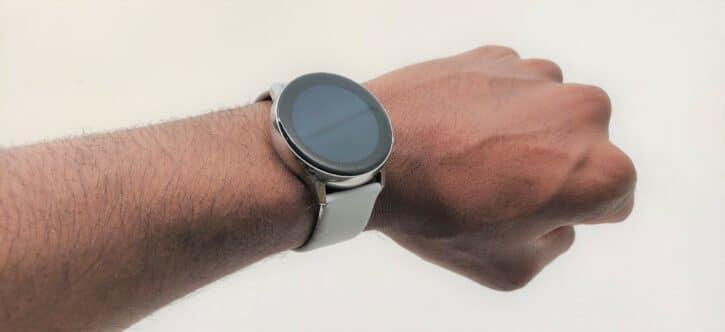 Samsung Galaxy Watch Active poignet