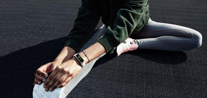 Skater avec un bracelet connecté samsung galaxy fit