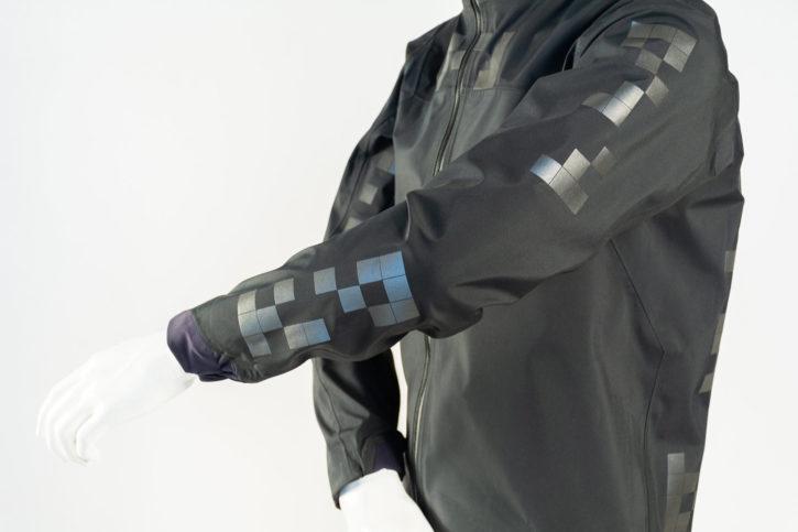 veste connectée pour cyclistes avec qr-code v1