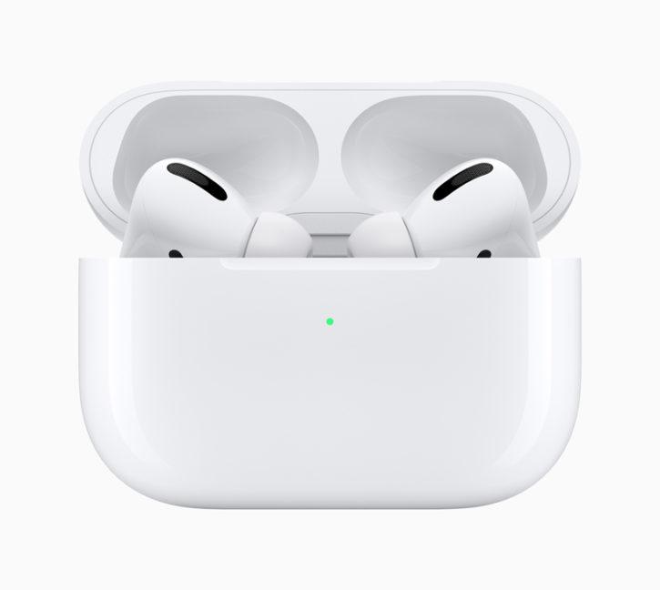 Apple AirPods Pro dans leur boîtier de recharge
