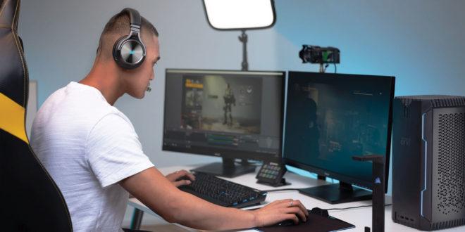 Casque gamer Corsair Virtuoso RGB Wireless en plein action