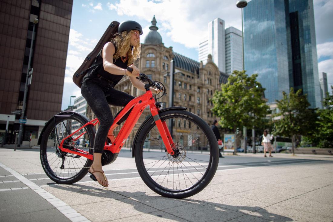 vélo à assistance électrique cannondale canvas neo
