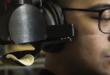 Ce ridicule casque gamer Pringles vous gave littéralement de chips