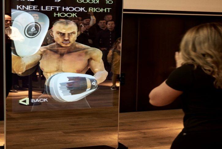 boxe virtuelle avec miroir connecté fittar, sport connecté et coronavirus