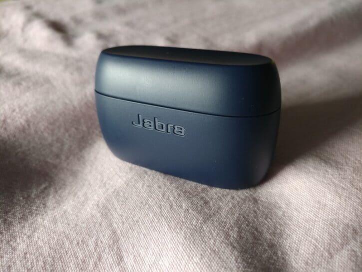 close up jabra elite active 75t