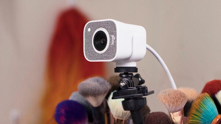 attache logitech streamcam