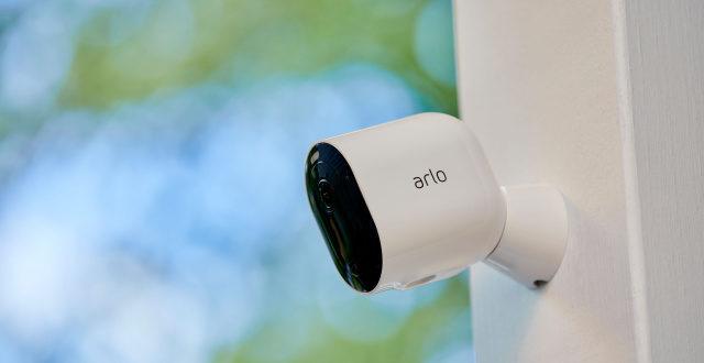 caméra connectée Arlo Pro 4