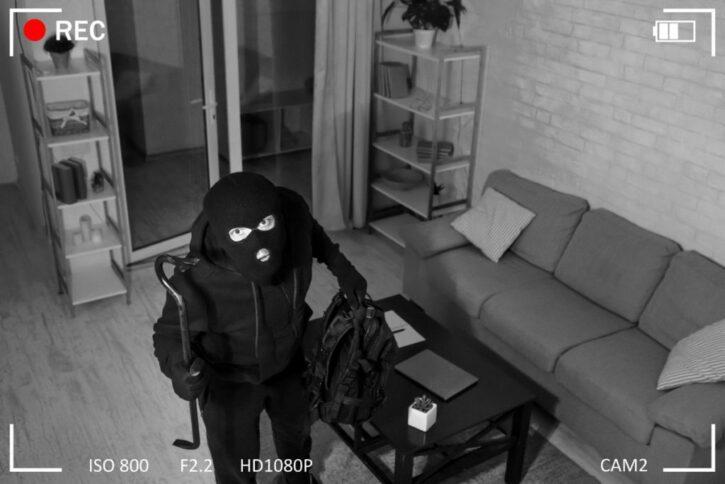 caméra de surveillance cambrioleur